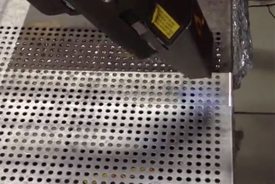 Here you can see a baking tray being laser cleaned